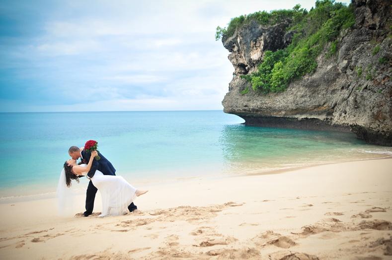 balangan-beach-ayana-bali-wedding-photo-31.jpg